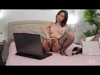 Korra Del Rio & Casey Kisses - Control Her Home Edition
