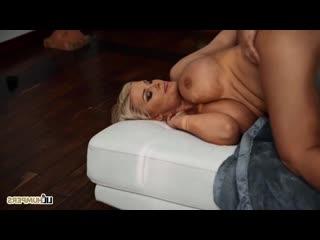 Мальчик трахнул мясистую зрелую женщину из полиции sex meat cow pawg twerk porn milf mature big ass tit mom boy